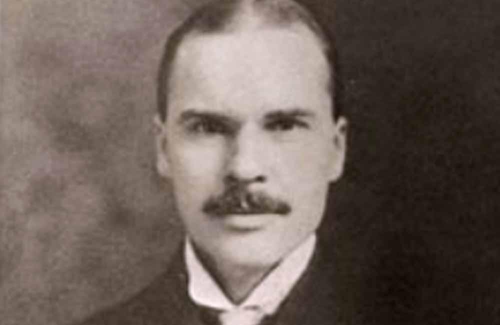 Der US-amerikanische Typograph Morris Fuller Benton (USA, 1872–1948), vermutlich um 1915 in Plainfield, New Jersey (USA). Fotograf unbekannt.