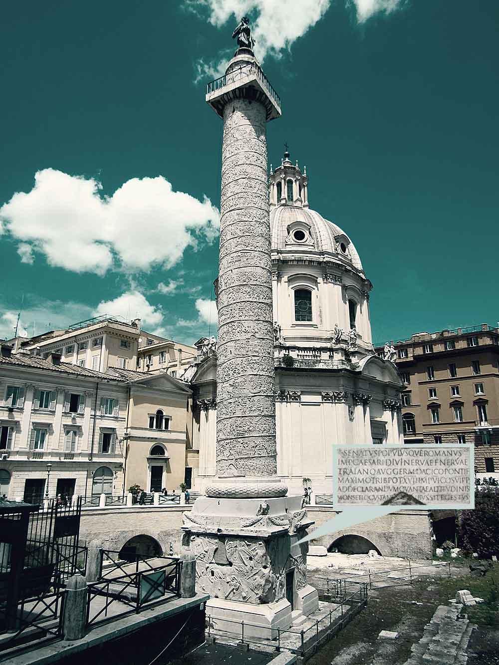 Das »Trajanische Alphabet« ist eine antike Inschrift (Epigraph) am Sockel der Trajanssäule (Columna Traiana) in Rom. Sie gilt als das berühmtestes Beispiel für die Capitalis Monumentalis und formvollendete Vorlage für alle runden Schriften römischen Ursprungs bzw. Antiqua-Schriften. Foto: Archiv.