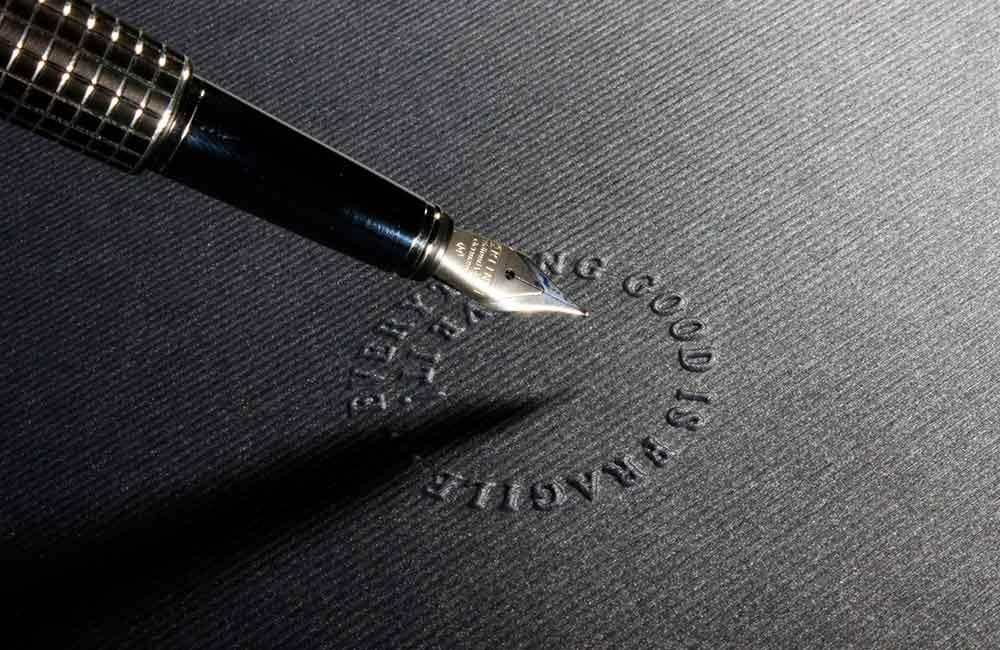 Herausgeber und Autor des Typolexikons ist der Grafikdesigner Wolfgang Beinert. Kontakt unter www.beinert.net