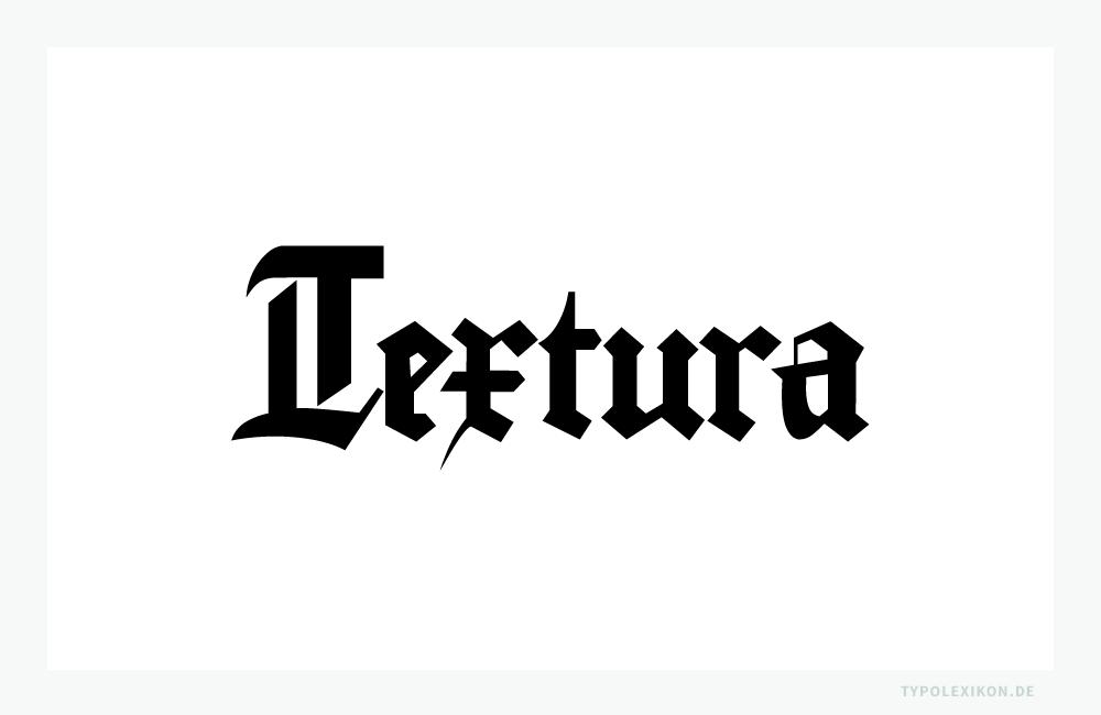 Der Free Font »Gutenberg Bibelschrift« von Dr. C.H. Wunderlich aus dem Jahre 1996 ist ein digitale Nachbildung einer Textura, wie sie von Johannes Gutenberg (um 1400–1468) verwendet wurde. Die Minuskel »x« unterscheidet sich vom »r« nur durch eine offene Schleife am Zeichenfuß.