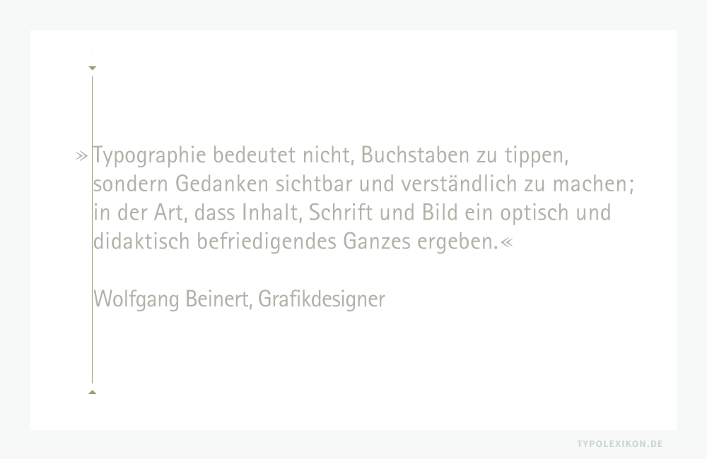 Bei freigestellten, großgradigen Zitaten wird die Anführung – egal ob es sich um deutsche oder englische Anführungszeichen bzw. um französiche Guillemets handelt, immer als hängende Interpunktion über die Satzkante gestellt.