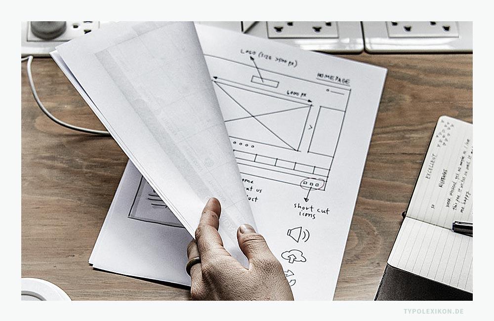 Die Rohfassung einesgrafischen Entwurfs wird als Grob- oder Rohlayout bezeichnet. Diese »Scribbles« (eng. für »kritzeln«) dienen dazu, sich selbst und anderen einen grafischen Entwurf verständlich vor Augen zu führen. Foto: Pixabay GmbH, München.